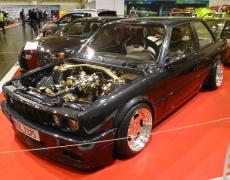 BMW 3er vergoldet